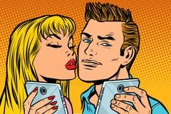 Potomstwo pary buziaka selfie na smartphone ilustracja wektor