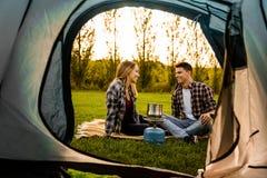 Potomstwo pary camping Obraz Stock