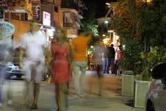 POTOS, ÎLE de THASSOS, GRÈCE - 24 juillet 2014 tirs de rue pendant la nuit avec la longue exposition Photos stock