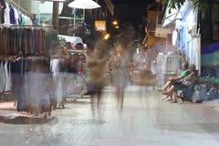 POTOS, ILHA de THASSOS, GRÉCIA - 24 de julho de 2014 tiros da rua na noite com exposição longa Foto de Stock