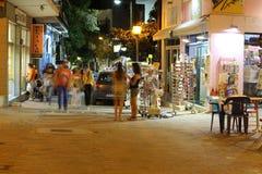POTOS, ISLA de THASSOS, GRECIA - 24 de julio de 2014 tiros de la calle en la noche con la exposición larga Foto de archivo libre de regalías