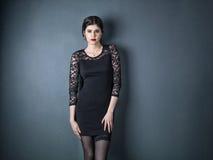 Potrait de una mujer elegante atractiva imágenes de archivo libres de regalías
