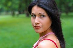 Vrouw in park Stock Fotografie