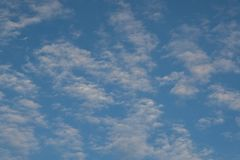 potrebbe ed il fondo del cielo blu fotografia stock libera da diritti