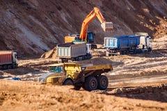 POTRESOVO, RUSSLAND - AUGUST 2017: Potresovsky-Sandsteinbruch und -bergbau stockbilder