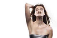 Potrtrait της νέας γυναίκας που απομονώνεται στο λευκό στοκ φωτογραφία