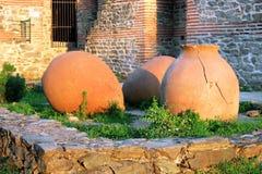 Pots antiques dans la forteresse de Hisarlaka Photos libres de droits