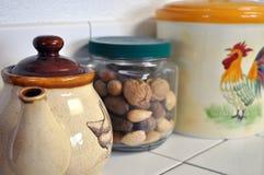 Pots dans la cuisine Photographie stock libre de droits