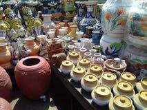 Pots de conserves au vinaigre photographie stock