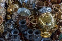 Pots de cuivre brillants de café Photos stock