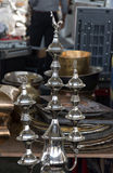 Pots de cuivre brillants de café Images stock