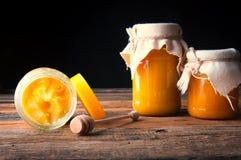 Pots de miel Miel de Cristallized Photos libres de droits