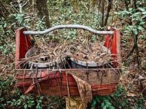Pots de planteur dans un support en bois Photos libres de droits