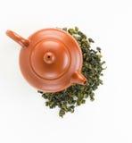 Pots de thé de vue supérieure avec le thé d'oolong Photographie stock