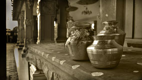 Pots de Thaipusam - Mononchromatic Photographie stock libre de droits