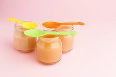 Pots en verre d'aliment pour bébé Photo libre de droits