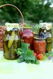 Pots en verre de conserves faites maison Image libre de droits