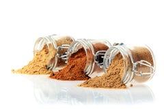 Pots en verre de l'épice moulue Photos libres de droits