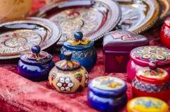 Pots et boîtes de colorfulll de Samll photographie stock