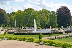 Potsdam, Allemagne Une vue de la grande fontaine dans un jardin décoratif, le parc de Sanssousi images libres de droits