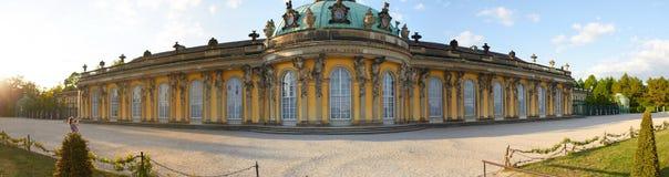 Potsdam Niemcy, Maj, - 28, 2014: Sanssouci pałac przy pogodnym summe Zdjęcie Stock