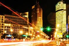 Potsdamer Platz του Βερολίνου, Γερμανία μπλε οικονομικοί ουρανοξύστες περιοχής χρωμάτων Στοκ Εικόνες
