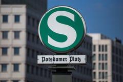 柏林potsdamer platz sbahn标志 免版税库存照片