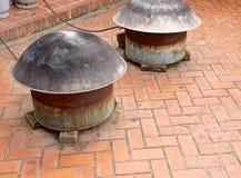 Potten op het fornuis voor het koken Stock Foto