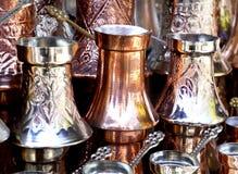 Potten van de koper de Turkse koffie stock afbeeldingen