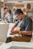 Pottenbakkers op het werk Stock Foto's