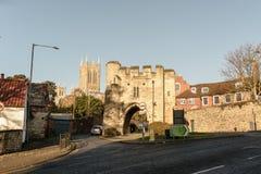 Pottergate曲拱南门面与Lincon塔的在背景中 库存照片