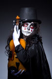 Potwór bawić się skrzypce Fotografia Royalty Free