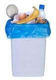 Poubelle complètement des déchets photo libre de droits