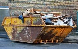 Poubelle de déchets industriels Photographie stock