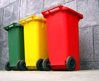 Poubelles pour la séparation d'ordures Photographie stock libre de droits