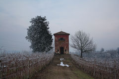 Pouca igreja no inverno Fotos de Stock Royalty Free