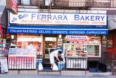Pouca loja da padaria de Itália Fotografia de Stock Royalty Free