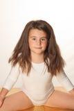 Pouca menina bonito do bailado que faz splits Foto de Stock