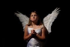 Pouca menina do anjo na noite Fotos de Stock Royalty Free