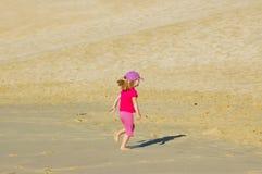 Pouca menina do deserto Fotos de Stock