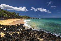 Pouca praia, Makena State Park, Maui sul, Havaí, EUA foto de stock