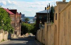 Pouca rua velha na cidade Siberian Fotografia de Stock Royalty Free