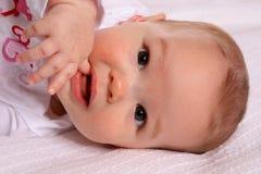 Pouce de aspiration infantile Image stock