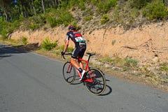 Pouces d'emballer le cycliste après La Vuelta España d'accidents Photographie stock