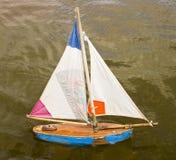 Pouco barco do brinquedo Fotos de Stock Royalty Free