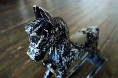 Pouco cavalo do cavalo do preto do brinquedo para crianças Fotografia de Stock