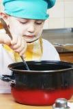 Pouco cozinha a direcção Imagens de Stock
