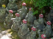 Pouco estátuas da Buda no  de DaishÅ - no templo, Japão imagem de stock