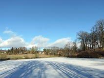 Pouco lago em Vytenai, Lituânia Imagens de Stock Royalty Free