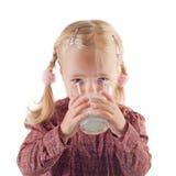 Pouco leite bebendo do gil Imagem de Stock Royalty Free